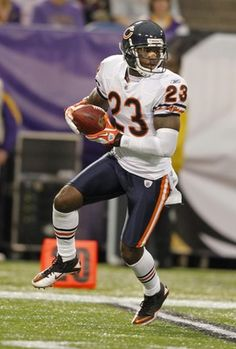 On paper, Devin Hester may not seem worthy of this high of a ranking for the fastest players in the NFL. I mean, he did run only a pedestrian dash at the combine. Devin Hester, Bears Football, Like U, Best Player, Pedestrian, Chicago Bears, Athletes, Nfl, Yard
