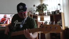 Funk Fusion backing track jaming with Guthrie Govan's solo HD720 m2 Bass...