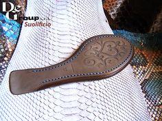 La bellezza ai tuoi piedi  #degroup #suola #cuoio #verocuoio #leather #shoesfashion #shoesholic #shoestobehappy #shoesmakemehappy #shoestagram #shoesph #redshoes #shoesobsession #scarpe #scarpedonna #fashionaccessories #accessoriesoftheday #womenaccessories #accessories #details #lovedetails #gomma #thunit #micro buff.ly/2kbngJy