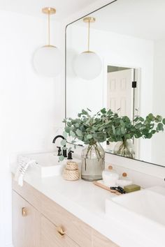 Interior stylist and designer Kristen Forgione of The LifeStyled Company designed this bright & beautiful bathroom with the Anna™ farmhouse sinks. Photography by Taylor Cole Photography Bad Inspiration, Bathroom Inspiration, Home Decor Inspiration, Bathroom Ideas, Decor Ideas, Bathroom Organization, Bathroom Trends, Small Bathroom, Gray Bathrooms