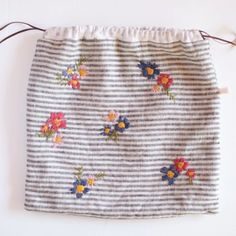 i'll be teaching 2 embroidery classes at @thecraftsessions again this year, including 'embroidery 101: project bag' ... perfect for beginners