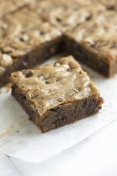 We've fallen in love with blondies. They are so easy to make — we're pretty sure they're one of the simplest, tastiest baked goods you can make. From inspiredtaste.net | @inspiredtaste