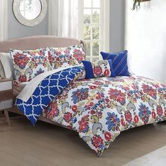 Kareena 5-Piece Comforter Set ($50) ❤ liked on Polyvore featuring home, bed & bath, bedding, comforters, king comforter set, king size shams, patterned bedding, full/queen comforter set and twin comforter sets