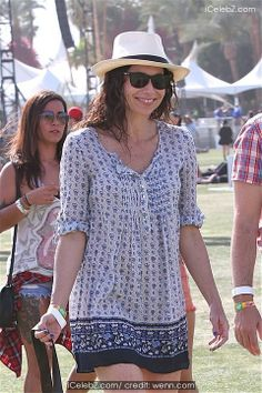 Minnie Driver Celebrities spotted at the annual Coachella Valley Music and Arts Festival http://www.icelebz.com/events/celebrities_spotted_at_the_annual_coachella_valley_music_and_arts_festival/photo27.html