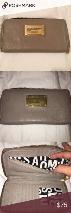 Marc by Marc Jacobs wallet Never been used! Beautiful beige wallet in great condition Marc By Marc Jacobs Bags Wallets