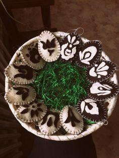 Tradicional hungarian motif, felt Easter eggs! I created these :)