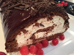 Discovered by ig: Find images and videos about food, sweet and chocolate on We Heart It - the app to get lost in what you love. Greek Sweets, Greek Desserts, Party Desserts, Food Network Recipes, Cooking Recipes, The Kitchen Food Network, Icebox Cake, Brownie Cake, Christmas Sweets