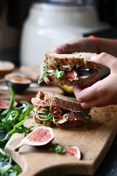 sandwich cu smochine , prosciutto si crema de gorgonzola- Alex Juncu Sandwiches, Always Hungry, Best Sandwich, Prosciutto, Fig, Cooking, Baking Center, Kochen, Ficus
