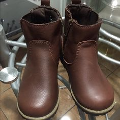 Hi top boys boots New boys boots available in size 6 and 10 Cherokee Shoes Ankle Boots & Booties