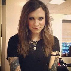Laura Jane Grace is SOOO beautiful!!!