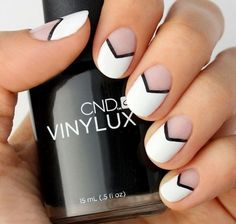uas cortas blanco y negro uñas . black and white nails Diy Ongles, Nailart, Nagellack Design, Chevron Nails, Manicure E Pedicure, Black Manicure, French Tip Nails, Super Nails, Nail Tutorials