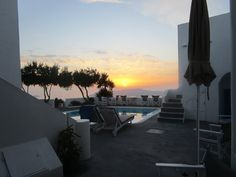 <3 Sunset Imerovigli<3 Remezzo Villa <3 Gorgeous small hotel in a  restaured ancient Winery <3