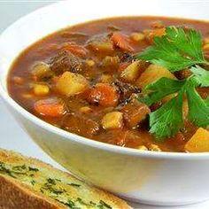 Sopa de carne com batata e legumes