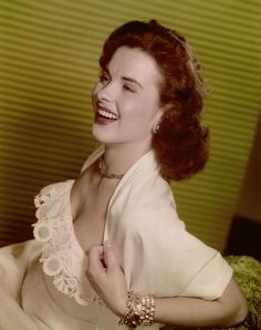 American actress Jean Peters , circa Get premium, high resolution news photos at Getty Images Jean Seberg, Jean Shrimpton, Old Hollywood Glamour, Golden Age Of Hollywood, Vintage Hollywood, Classic Hollywood, Jean Simmons, Female Movie Stars, Old Movie Stars