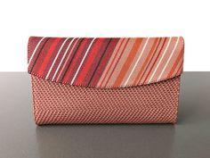 Handgemaakte oudroze clutch uit Peru - Fair.nl Fair Trade, Peru, Card Holder, Cards, Turkey, Rolodex, Maps, Playing Cards