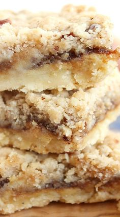 These cheesecake streusel bars are easy and addictive. Topped with apple butter and a crumbly, sweet streusel topping, you may want to eat the whole pan. Apple Recipes, Baking Recipes, Sweet Recipes, Cookie Recipes, Dessert Recipes, Bar Recipes, Ramen Recipes, Spinach Recipes, Avocado Recipes
