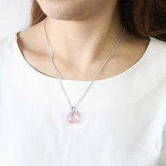 K18WG Petit vòng cổ thạch anh hồng kim cương 16A01701