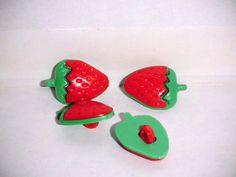 6 Kinderknöpfe mit Öse 16,5 mm Erdbeere rot grün