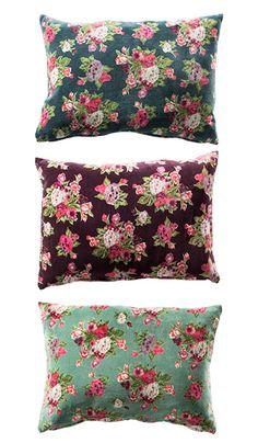 Flower printed cotton velvet cushion cover