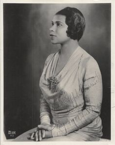 MARIAN ANDERSON African American Fashion, African American History, Marian Anderson, Pride And Glory, Coloured Girls, Black History Facts, Opera Singers, Historical Pictures, Women In History