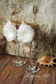 Personalized / Rustic / Wedding / Champagne Flutes / Toasting Glasses / Bride and Groom / Wedding Glasses / Bridal Shower Gift - pinned by pin4etsy.com