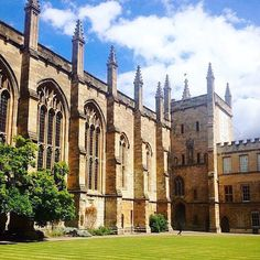 Oxford -How do you make a great first impression?  #Job #VideoResume #VideoCV #jobs #jobseekers #careerservices #career #students #fraternity #sorority #travel #application #HumanResources #HRManager #vets #Veterans #CareerSummit #studyabroad #volunteerabroad #teachabroad #TEFL #LawSchool #GradSchool #abroad #ViewYouGlobal viewyouglobal.com ViewYou.com #markethunt MarketHunt.co.uk bit.ly/viewyoupaper #HigherEd #PersonalBrand #brand #branding @oxford