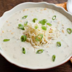 Get Corn and Green Chile Chowder Recipe from Food Network Onion Soup Recipes, Chowder Recipes, Crockpot Recipes, Cooking Recipes, Chili Recipes, Corn Chowder Pioneer Woman, Poffertjes, Food Network Canada, Beef Stroganoff