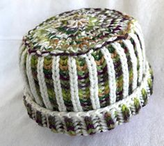 This yarn cozy is the perfect project for a first-time brioche knitter who wants to try two-color brioche knitting in the round. It is also a great way to use leftover yarn since it uses very little yarn! Dig into your stash and find some nice contrasting colored yarns.