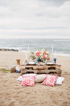 New England Nautical meets West Coast Whimsical Inspiration - Wedding project , Beach Wedding Tables, Seaside Wedding, Nautical Wedding, Wedding Dinner, Wedding Ceremony, Romantic Picnics, Romantic Beach, Cocktail Party Decor, Beach Proposal