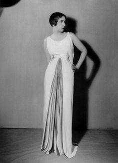 30's...Elsa Schiaparelli in Elsa Schiaparelli, autumn 1931, by Man Ray