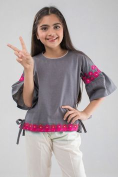 Check the latest Eid dresses designs for Kids by these top brands for Kidswear or Child dress designs in Pakistan. Select the favorite colorful kidswear dresses collections for girls and boys on this EID by Styleglow. Eid Dresses For Girl, Kids Dress Wear, Girls Dresses Sewing, Girls Lace Dress, Baby Girl Dresses, Pakistani Dresses Casual, Pakistani Dress Design, Designs For Dresses, Dress Neck Designs