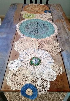 Spring Table Runner from Lace Doilies for Country Cottage Decor Doilies Crafts, Lace Doilies, Crochet Doilies, Crochet Pillow, Framed Doilies, Scarf Crochet, Crochet Lace, Crochet Projects, Sewing Projects