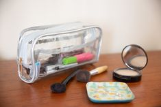 What to pack in your toiletry bag? This list has it all, plus some packing tips, travel products and our favorite recommended clear toiletry bag for travel! Carry On Packing, Carry On Luggage, Packing Tips For Travel, Packing Hacks, Packing Cubes, Packing Lists, Travel Ideas, Videos Mexico, Travel Essentials For Women