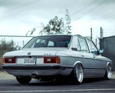 BMW 535i (E12)