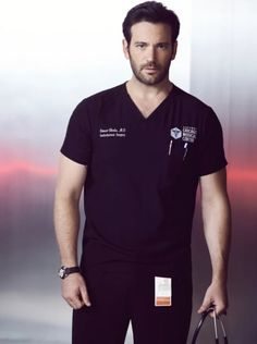 Colin Donnell as Connor Rhodes in Chicago Med is my new tv doctor crush Chicago Fire, Nbc Chicago Pd, Chicago Shows, Chicago Med, Colin Donnell, Med Doctor, Tommy Merlyn, Tv Doctors, Hot Doctor