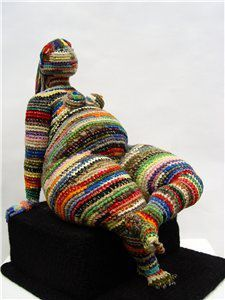 Yulia Ustinova (Crochet figures) Form Crochet, Crochet Art, Crochet Toys, Textile Sculpture, Textile Fiber Art, Crochet Dollies, Knit Art, Goddess Art, Tatting Lace