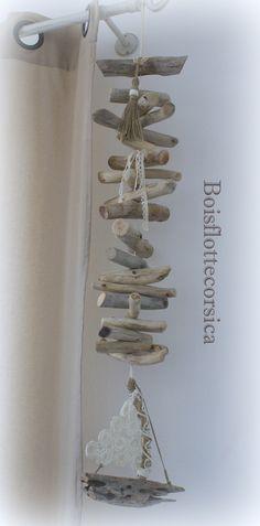 GUIRLANDE - BOIS FLOTTÉ - BATEAU BOIS FLOTTÉ ET VOILE EN DENTELLE : Accessoires de maison par boisflottecorsica