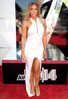 Tamar Braxton beat the heat at the 2014 BET Awards in a breezy halter-neck white gown.