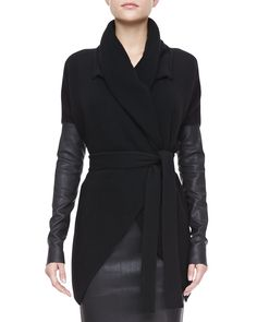 Belted Leather-Sleeve Cardigan by Donna Karan at Neiman Marcus. Winter Chic, Winter Mode, Autumn Winter Fashion, Dona Karan, Mode Crochet, Tube Skirt, Vogue, Swagg, Dress Me Up