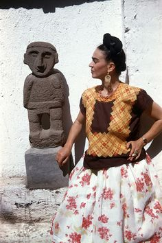 vintage everyday: Rare and Loving Photos of Frida Kahlo from the Last Years of Her Life in Mexico City