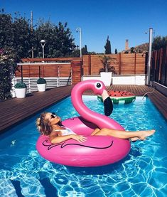 summer summer nails summer outfits summer bucket list summer vibes surfing palm … - All For Hair Color Trending Flamingo Float, Flamingo Pool, Summer Pictures, Beach Pictures, Pool Poses, Shotting Photo, Pool Picture, Live Girls, Pool Floats