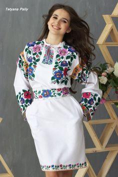 Tetyana Paliy - Вишиті плаття Abaya Fashion, Ethnic Fashion, Fashion Dresses, Womens Fashion, Ukraine Women, Ethno Style, Mexican Dresses, Traditional Outfits, Pretty Outfits