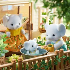 Calico Critters Families, Critters 3, Little Live Pets, Roblox Pictures, Dream Doll, Sylvanian Families, All Things Cute, Cute Memes, Cute Toys