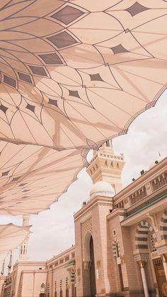 Cruises to Dubai, United Arab Emirates Islamic Wallpaper Iphone, Mecca Wallpaper, Quran Wallpaper, Islamic Quotes Wallpaper, Mecca Madinah, Mecca Kaaba, Mecca Mosque, Grand Mosque, Mekka Islam