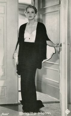 Brigitte Helm, 1930s. LOVE her outfit.