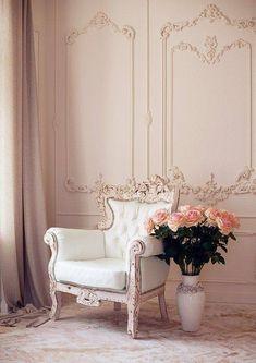 ***Interior Home - Beautiful Chair - Details*** Classic Interior, Home Interior Design, Interior And Exterior, Living Room Decor, Bedroom Decor, Wall Decor, Master Bedroom, Wall Design, House Design