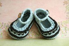 Crochet patterns, crochet baby pattern, by Luz Patterns $4.99 #crochetbabybooties #crochet