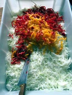 Veľmi dobrá čalamáda (fotorecept) - recept | Varecha.sk Cabbage, Vegetables, Food, Essen, Cabbages, Vegetable Recipes, Meals, Yemek, Brussels Sprouts