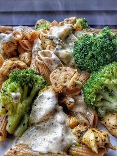 Fit przepis Makaron pełnoziarnisty z indykiem i brokułami w sosie czosnkowym Helathy Food, Learn To Cook, I Love Food, Food And Drink, Healthy Eating, Lunch, Healthy Recipes, Meals, Dinner