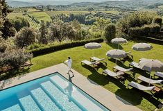 #italy #tuscany #interiordesign #homedecor #idea #Inspiration #cozy #living #space #style #interior #decor #design #home #pool #terrace # Terrace Garden, Garden Pool, Amazing Gardens, Beautiful Gardens, Mini Pool, Pool Construction, Fiberglass Pools, Outdoor Venues, In Ground Pools